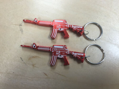 1 x RED SUPREME F//W 14 BOX LOGO M16 BOTTLE OPENER KEYCHAIN RARE SOLDOUT