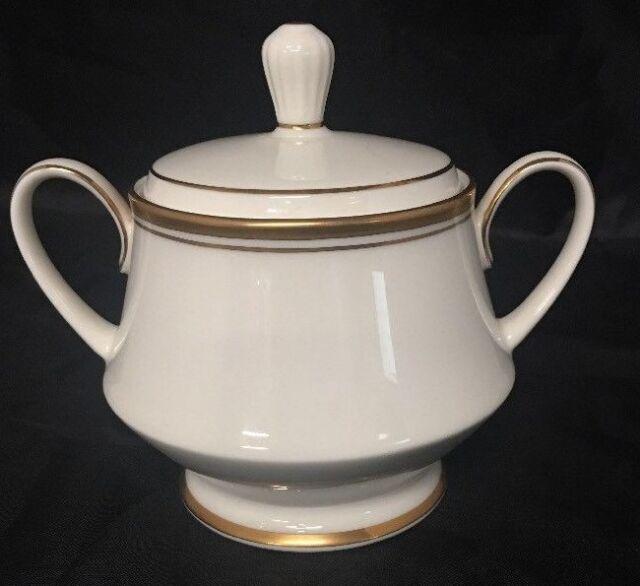 Noritake Ivory China Viceroy 7222 Japan Sugar Bowl w/ Lid Gold Trim a806-958