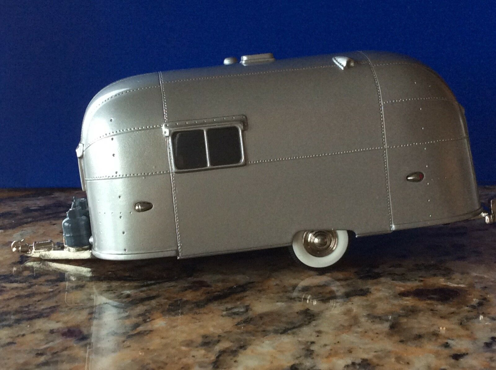 Brooklin Models 1953 Streamlined American Caravan BRK 54