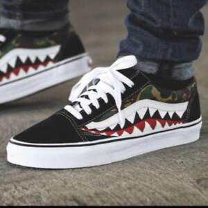 36fb2fff965 Image is loading VANS-OLD-SKOOL-BAPE-Shark-Kamofura-custom-from-