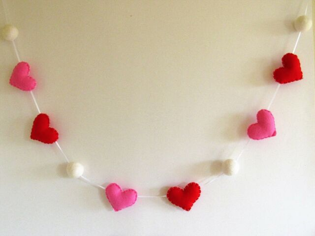 5 Pieces Glittery Valentines Banner Red Glittery Heart Garland Banner Bunting Banners Strings in 2 Styles Happy Valentines Day Decorations for Wedding Engagement Party Home Supplies