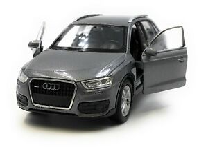Modellino-Auto-Audi-Q3-Kompakt-SUV-Grigio-Auto-1-3-4-39-Licenza