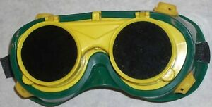 10 Green Yellow Welding Safety Goggles Round Flip Front