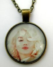Medaillon Vintage +Chaine style bronze /Medallion +Chain necklace,Marilyn Monroe