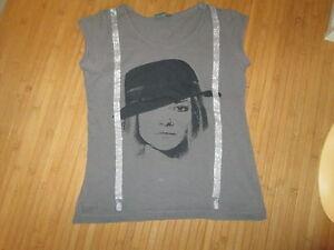 Tee-shirt-Gris-avec-motif-MC-T12ans-marque-Bilook-en-TBE