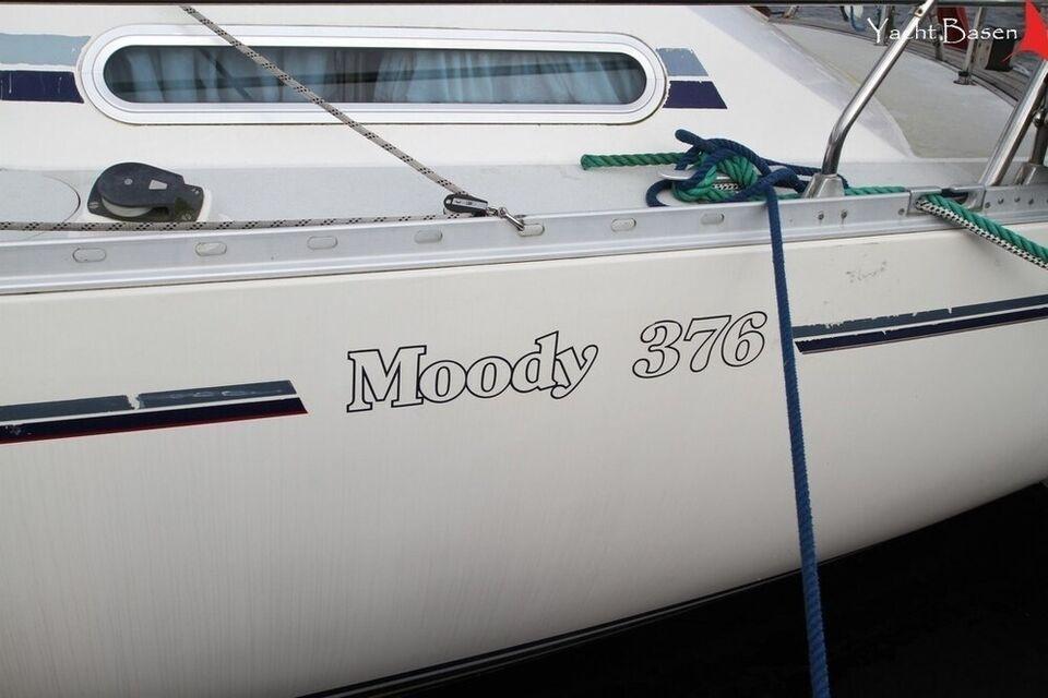 Moody 376, årg. 1991, skrogmateriale glasfiber