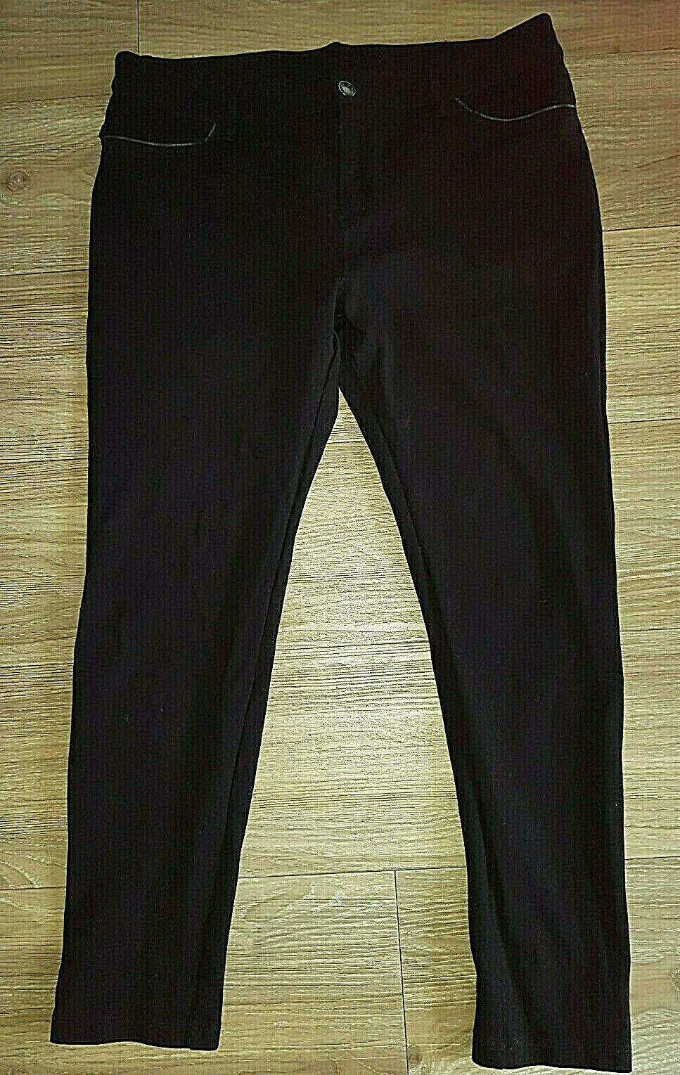 1 schwarze Damenhose Marke Yessica