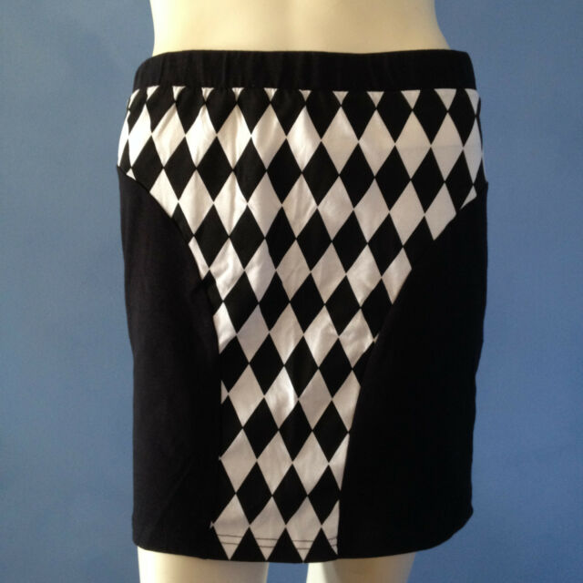Supre Black/White Diamond print skirt.Size L NWT