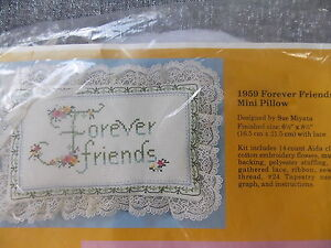 NEW-Vintage-Creative-Circle-Forever-Friends-Pillow-1959-1985-Miyata-Country