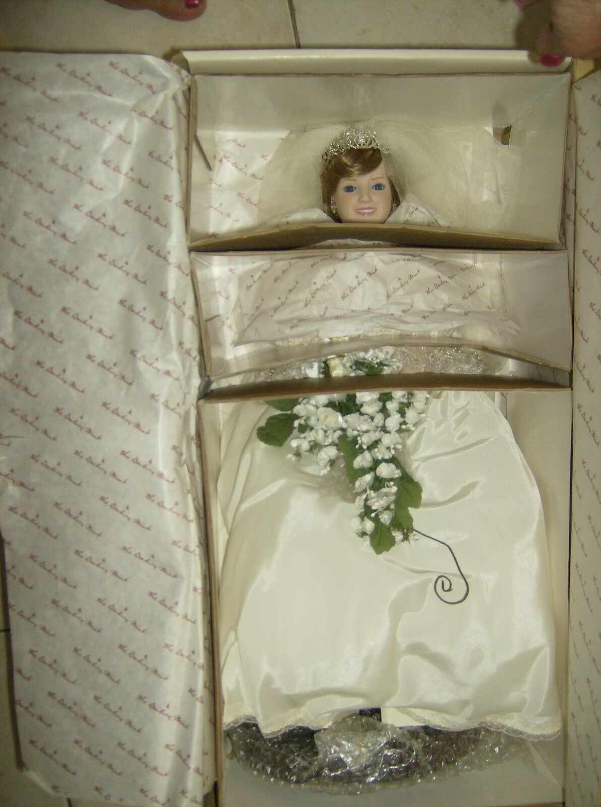 Princesa Diana porcelana muñeca de novia Danbury Mint Menta en Caja