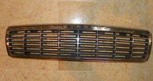 1993-Chevrolet-Caprice-LTZ-Grille-w-Mounting-Brackets-10220510-Chrome-amp-Black