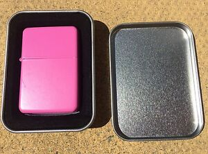 Lovely-Baby-Pink-Flip-Lighter-With-Metal-Display-Tin-Gift-Present-girlfriend