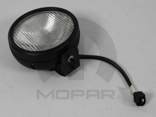 2005-06 Jeep Wrangler TJ Driving Fog Light MOPAR 55077917AC OEM Lamp