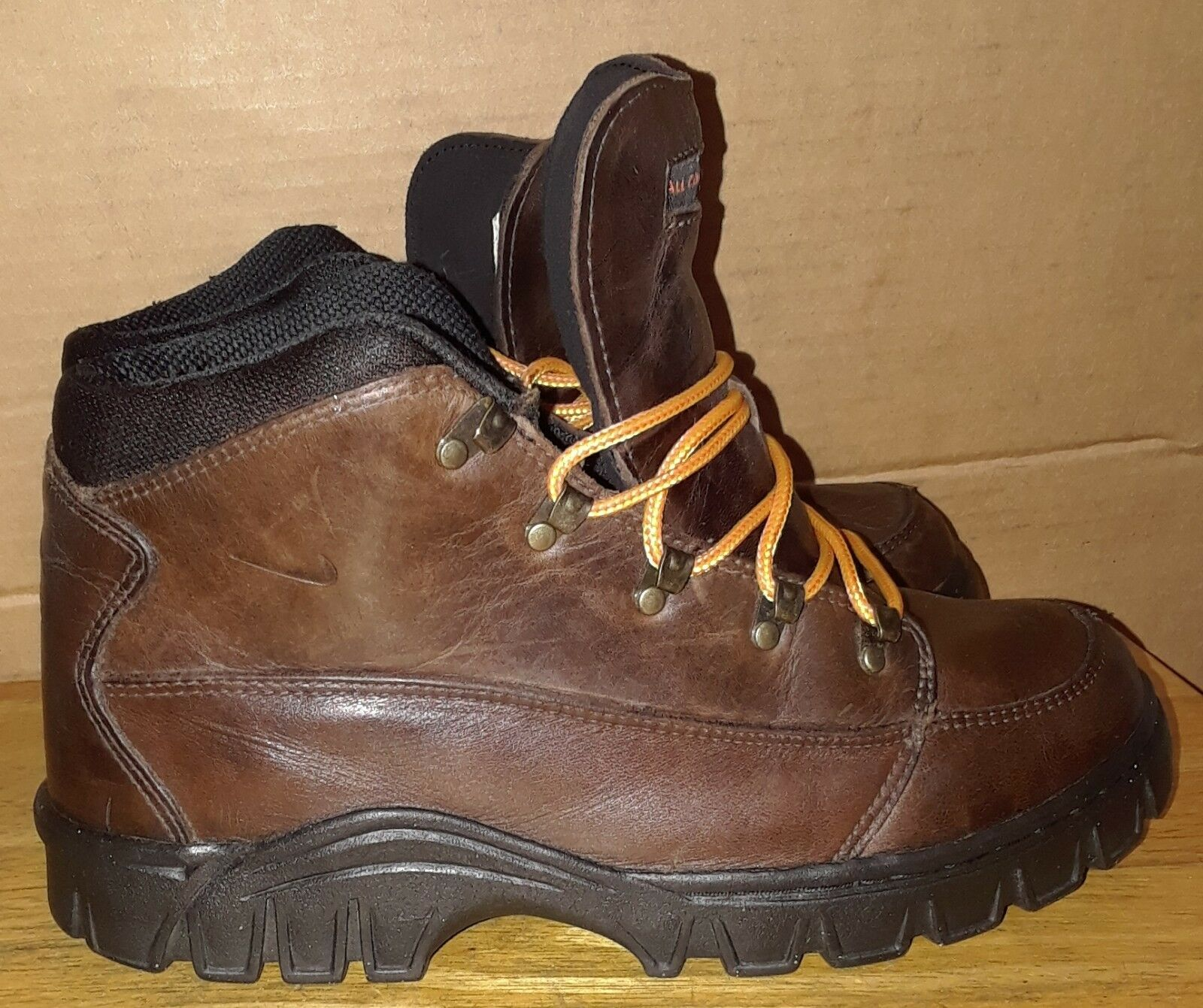 VINTAGE 1999 NIKE ACG 990709 BROWN LEATHER HIKING SHOES ANKLE BOOTS MEN'S Sz 8