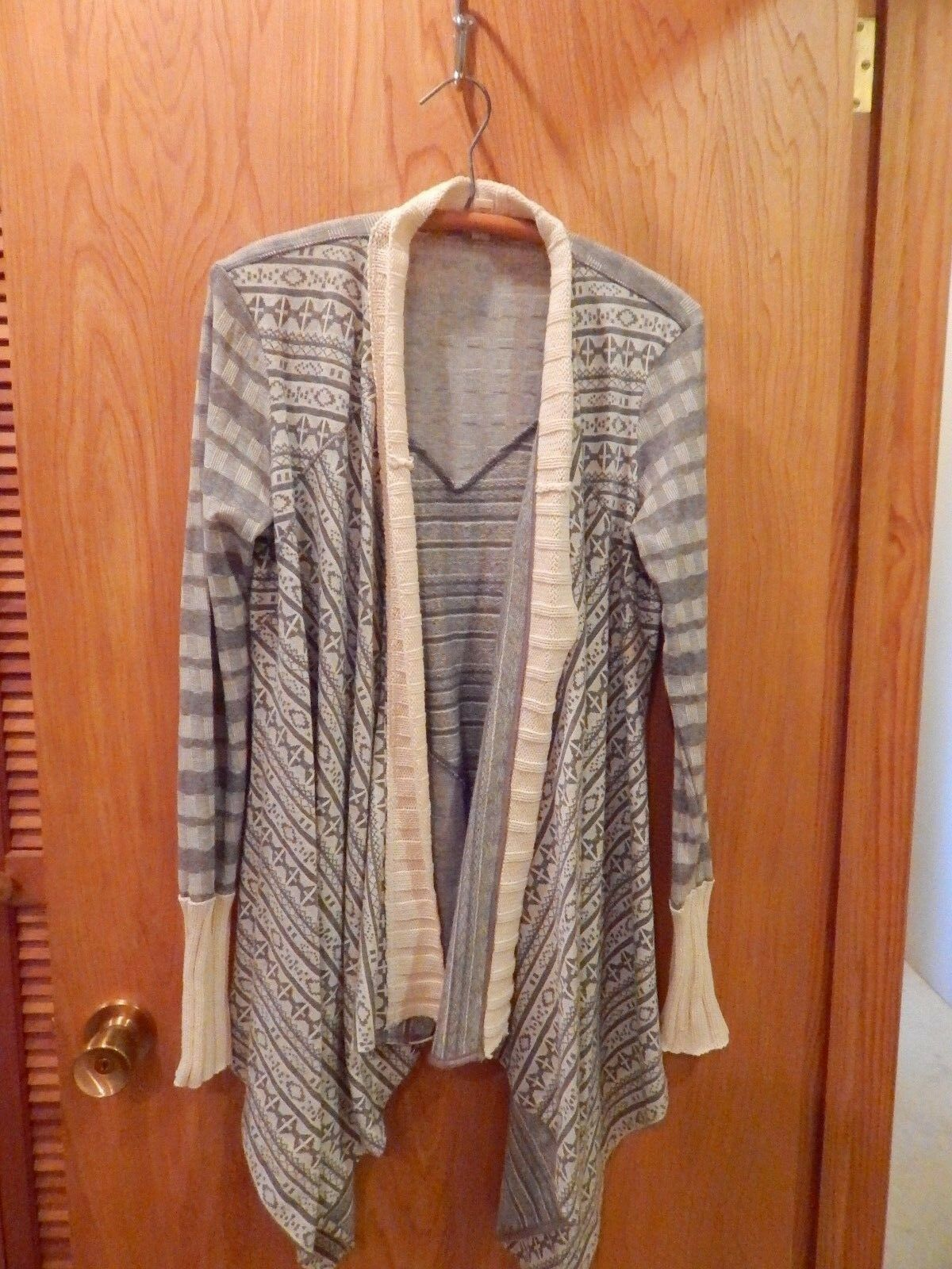 NWOT Anthropologie TINY Mazarine Jacquard Cardigan Wrap M unique & Great SPRING