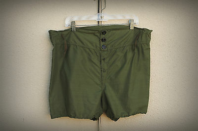 Unbranded Size Extra Large Shorts Vintage 1970s Lightweight Military Green