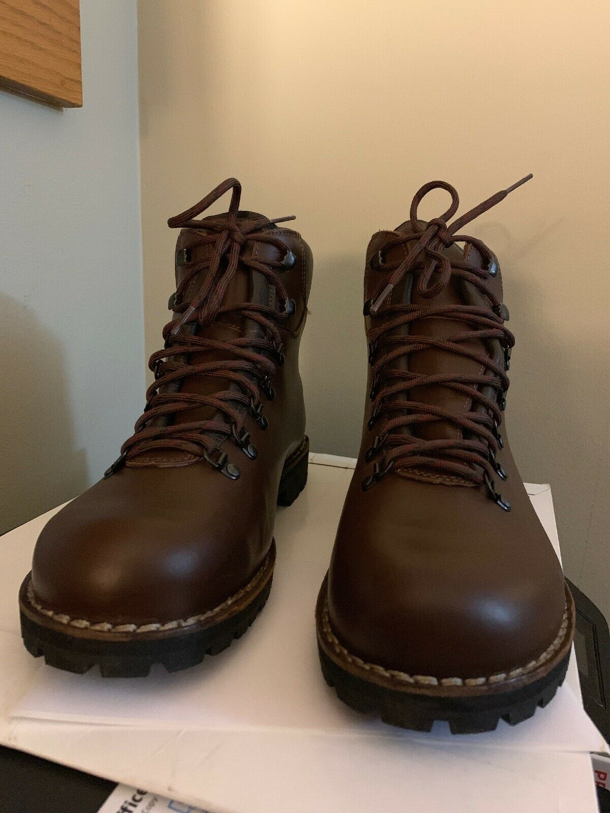 New MENS ALICO TAHOE LEATHER HIKING BOOTS - BROWN SIZE 11 - MSRP