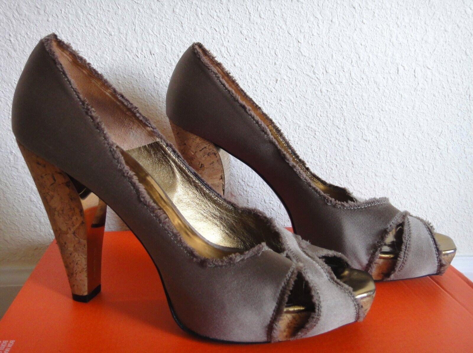 BARBARA BUI    Brown Satin Peep Toe Cutout Cork Platform Heel Pump Shoes 39 9 GUC f9f5e7