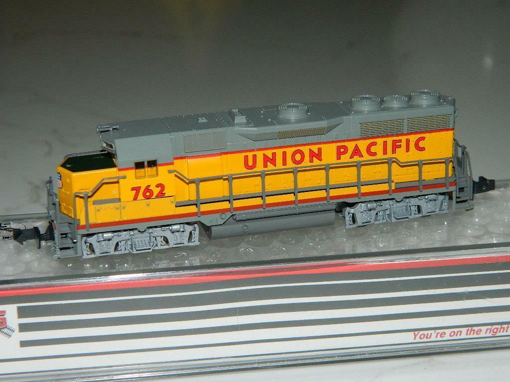 Atlas N Scale  4621 EMD GP35 Union Pacific Locomotive RD 762 VTG NOS