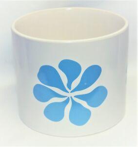 Vintage-Flower-Power-ATOMIC-Design-White-Ceramic-PLANTER-w-Retro-Blue-Flowers