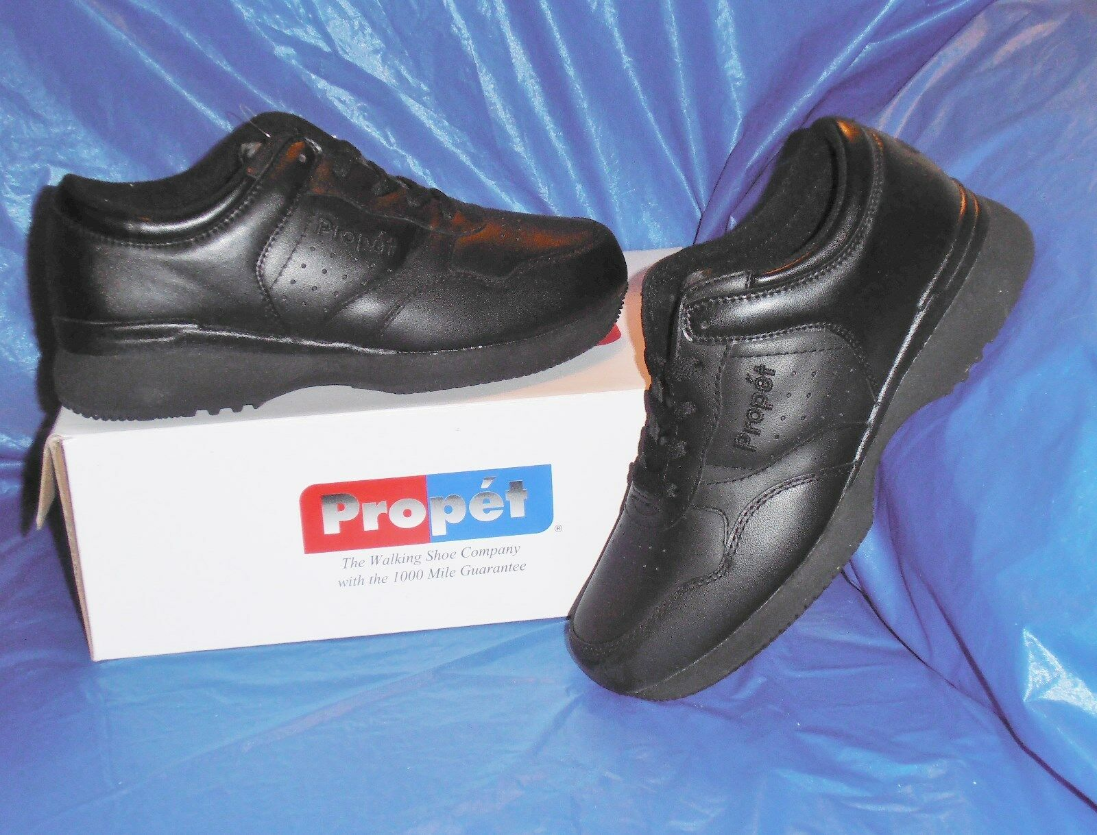 Propet M3704 Mens Lite Walking Shoe,Black size  10 1/2   X  ( EEE )
