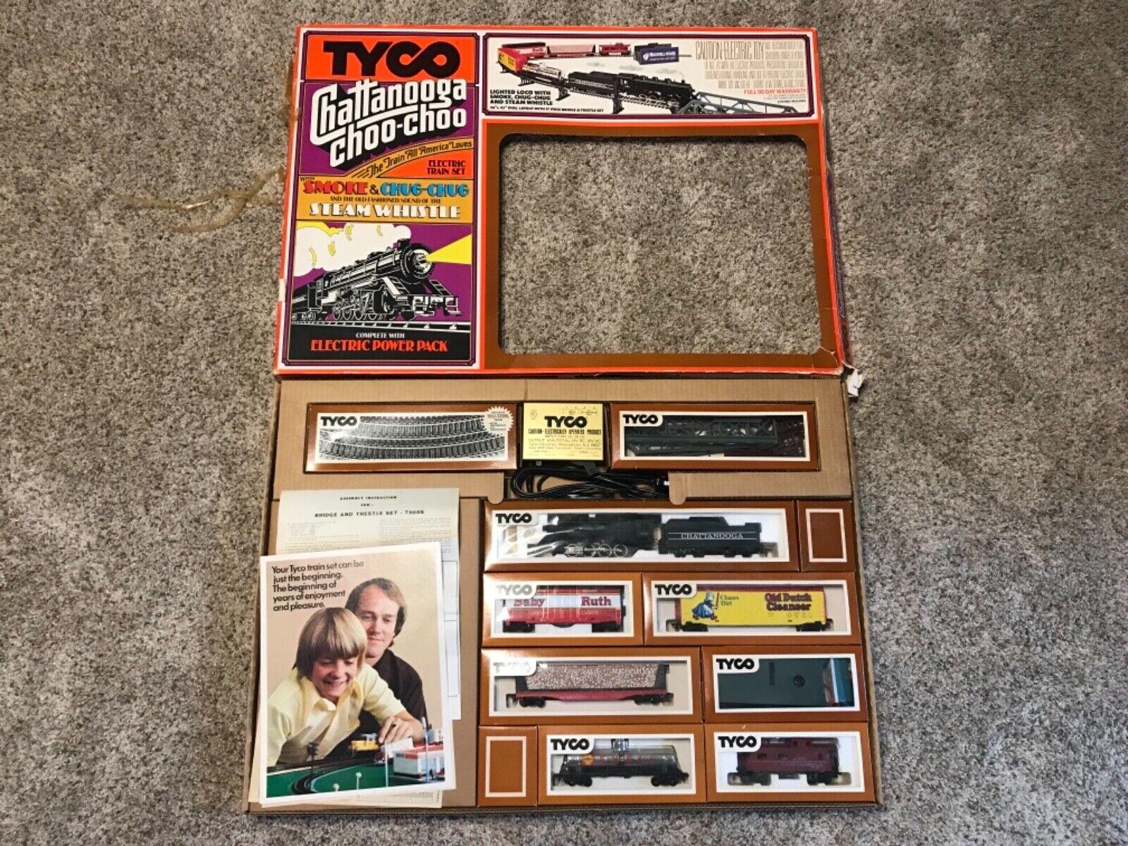 Tyco Chattanooga Choo Choo Train Set w  Smoke and Steam Whistle in Box