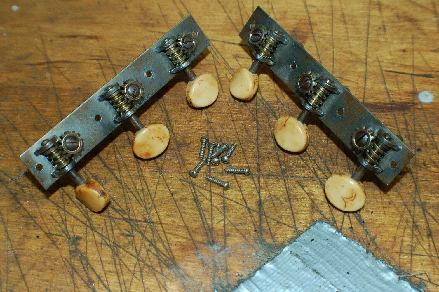 Vintage RARE 1940s Harmony Kay Waveri Open Back Guitar Tuners 3x3 Luthier Teile