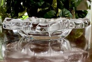 Lalique-Capucines-Centerpiece-Bowl-in-Mint-Condition-Signed-Guaranteed-Authentic