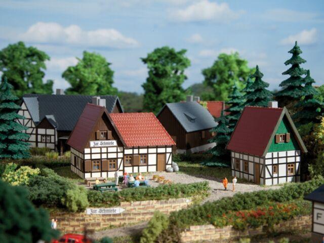 Auhagen N 14457 Gasthaus zur Schmiede     Bausatz  Neuware