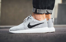 NIKE ROSHE TWO FLYKNIT Running Trainers Gym Casual - UK 8 (EUR 42.5) Wolf Grey