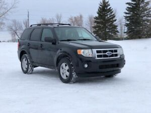 Ford Escape 2011 safetied *FINANCING AVAILABLE *