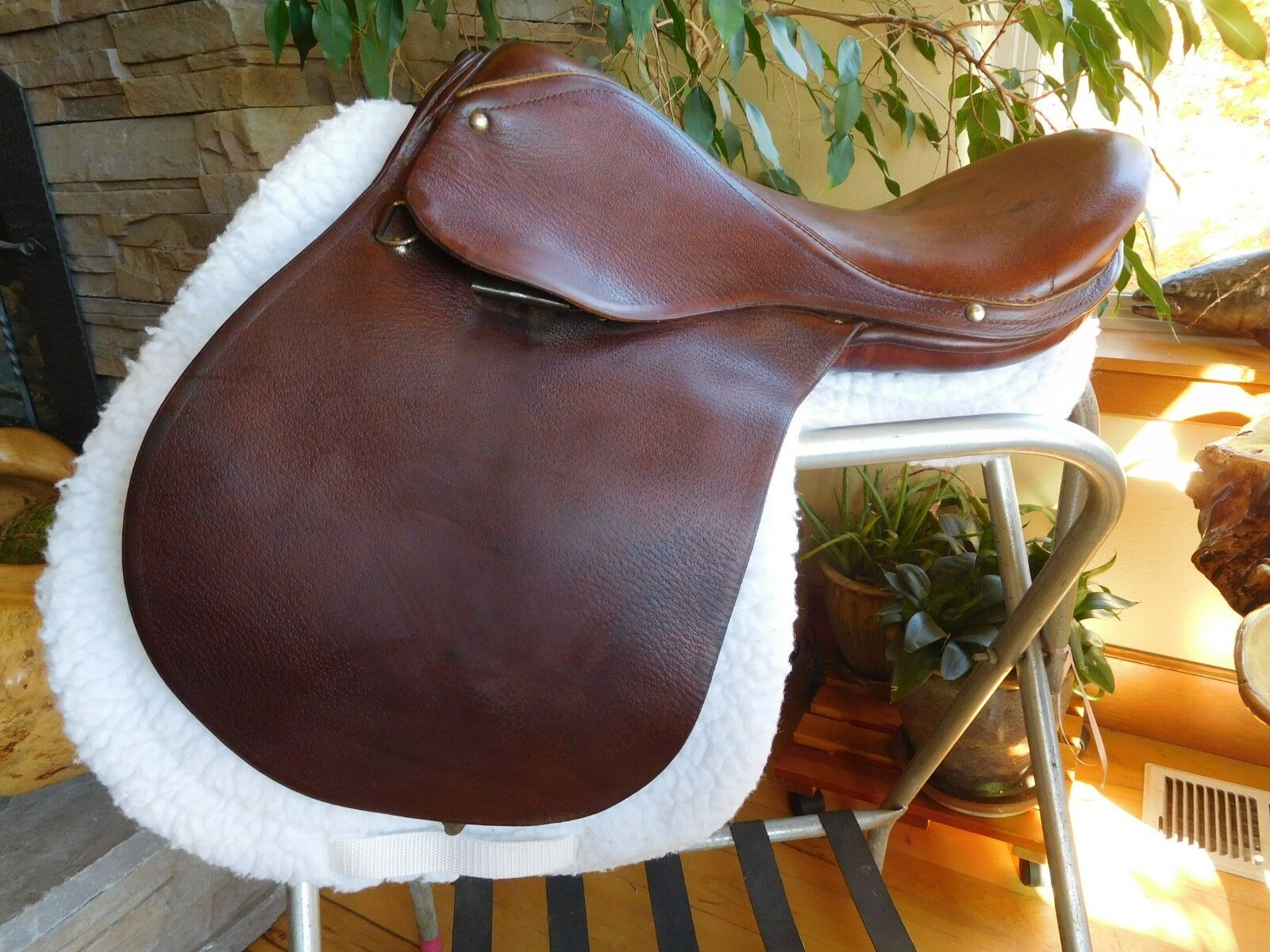 17  Rossi Y Curuso English Close Contact Saddle Lightweight (ES69)