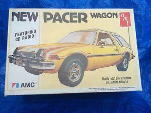 Vintage-AMT-AMC-Pacer-Wagon-1977-USA-1-25-Model-Car-Kit-T484-w-Box-Sealed-Parts