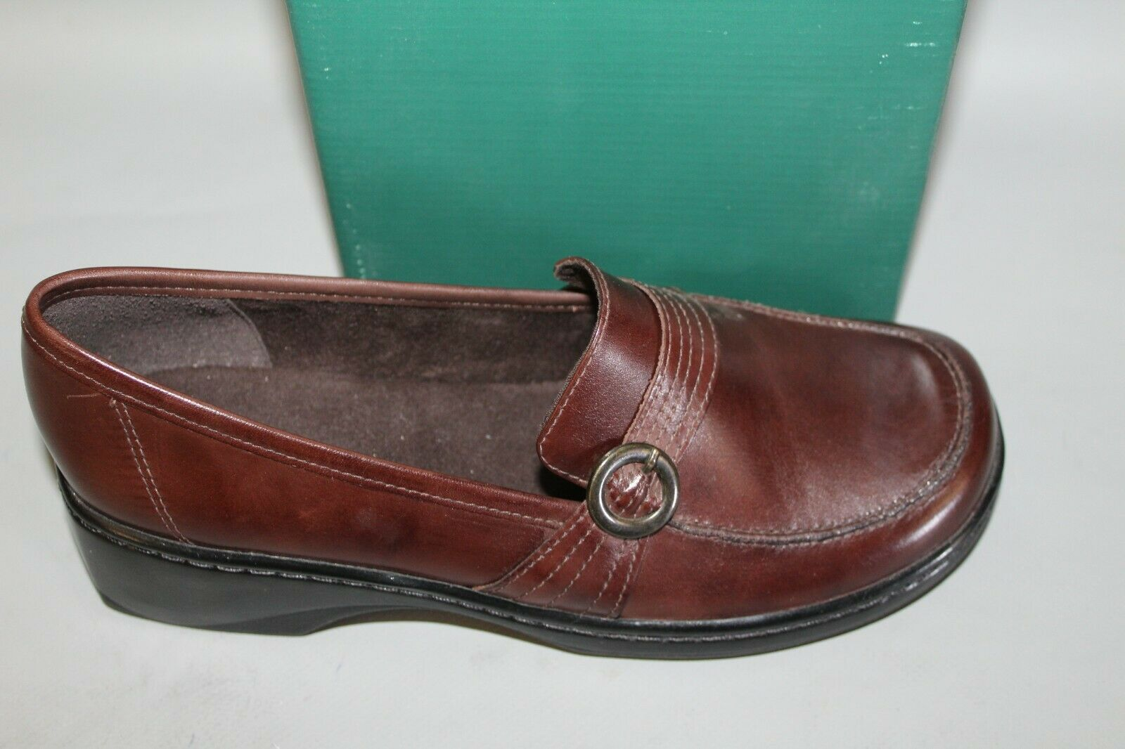 NEW Women's Clarks Ember Size 7 Wide Brown Leather Slip-on Casual shoes