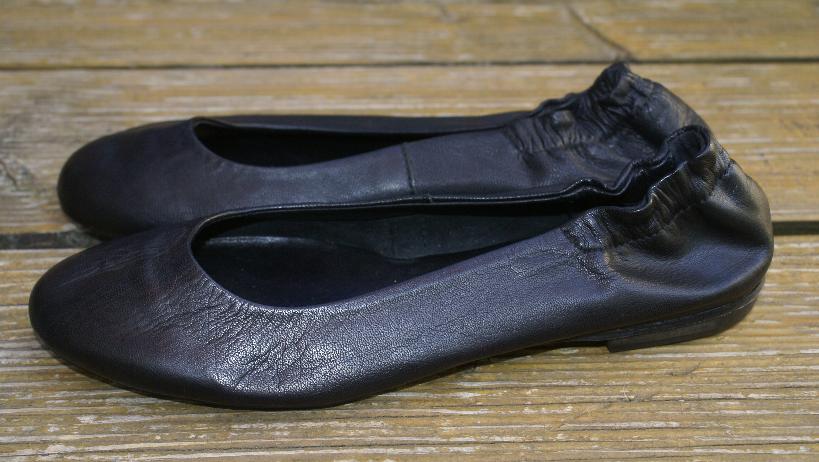 MINELLI Ballerinas Echtleder schwarz Gr. 40 UK 6,5 wie NEU