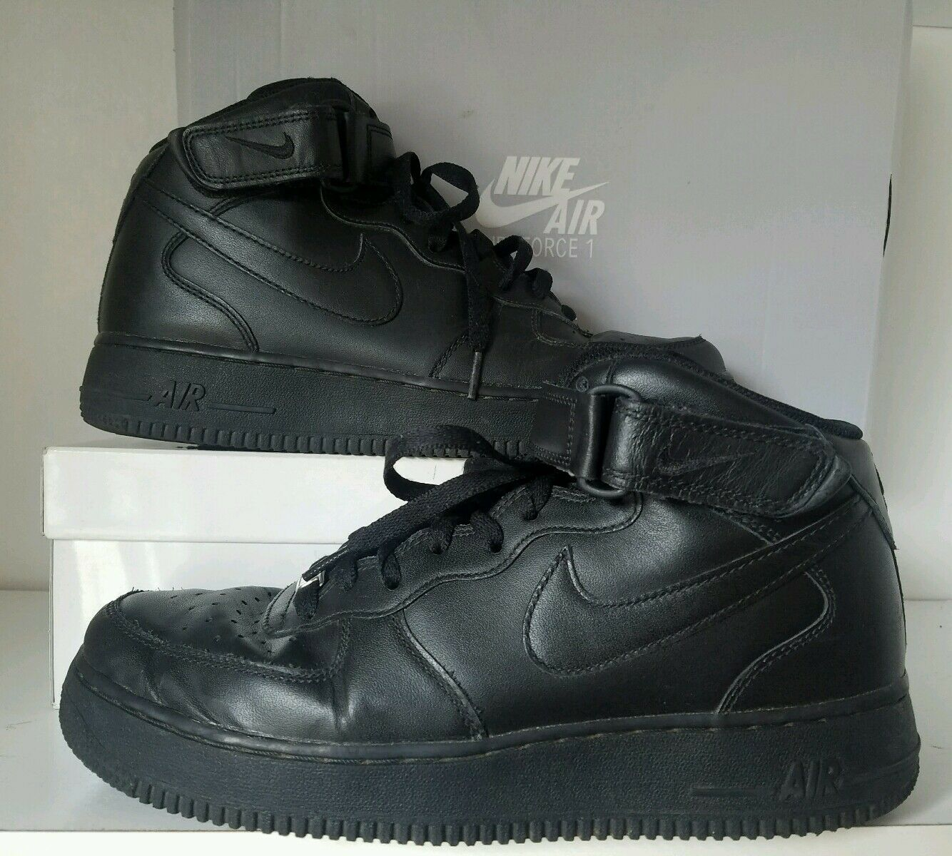 NIKE MENS AIR FORCE 1 MID 315123-001       SIZE 9 US