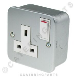 METAL-CLAD-13-AMP-SINGLE-1-GANG-SWITCHED-ELECTRICAL-MAINS-WALL-PLUG-SOCKET-13A