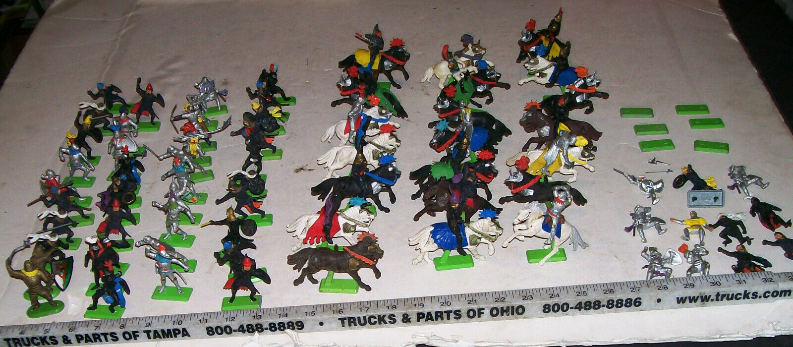 BIG Lot of 89 Vintage Britains Deetail Medieval Knights Toy Soldiers with Horses