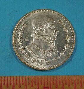 1958 MEXICO $1 PESO COIN - UNC - SILVER