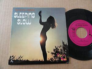 DISQUE-45T-DE-THE-SILVER-SOUNDS-034-SLEEPING-SLOW-034