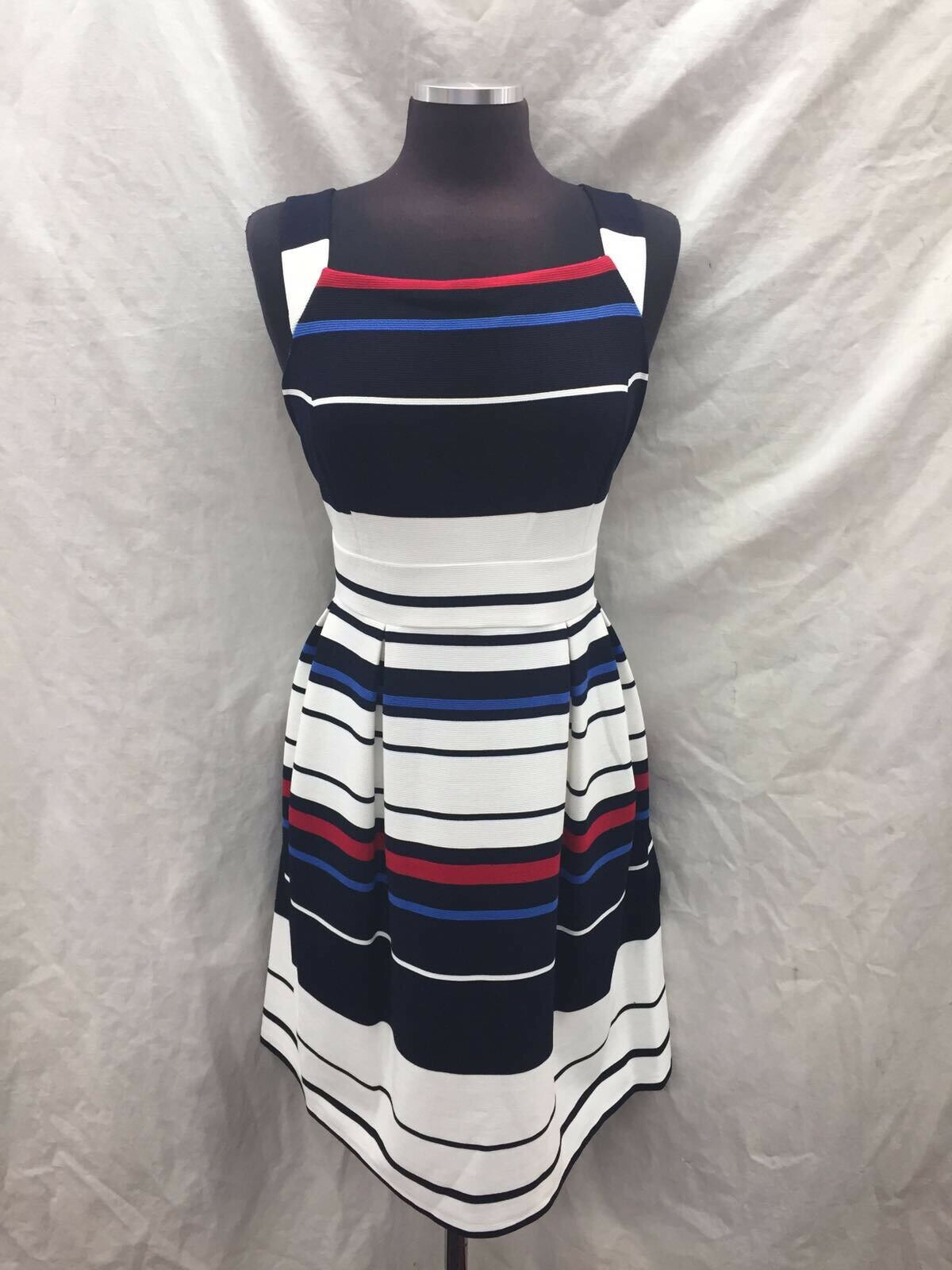 ADRIANNA PAPELL DRESS  NEW WITH TAG SIZE 4 RETAIL 120  NEW WITH TAG LENGTH 38