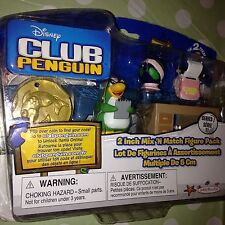 CLUB PENGUIN - MIX 'N MATCH FIGURE PACK - AUNT ARTIC with DESK NEW