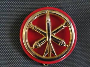 macaron-plastique-Rouge-pour-insigne-beret-Artillerie