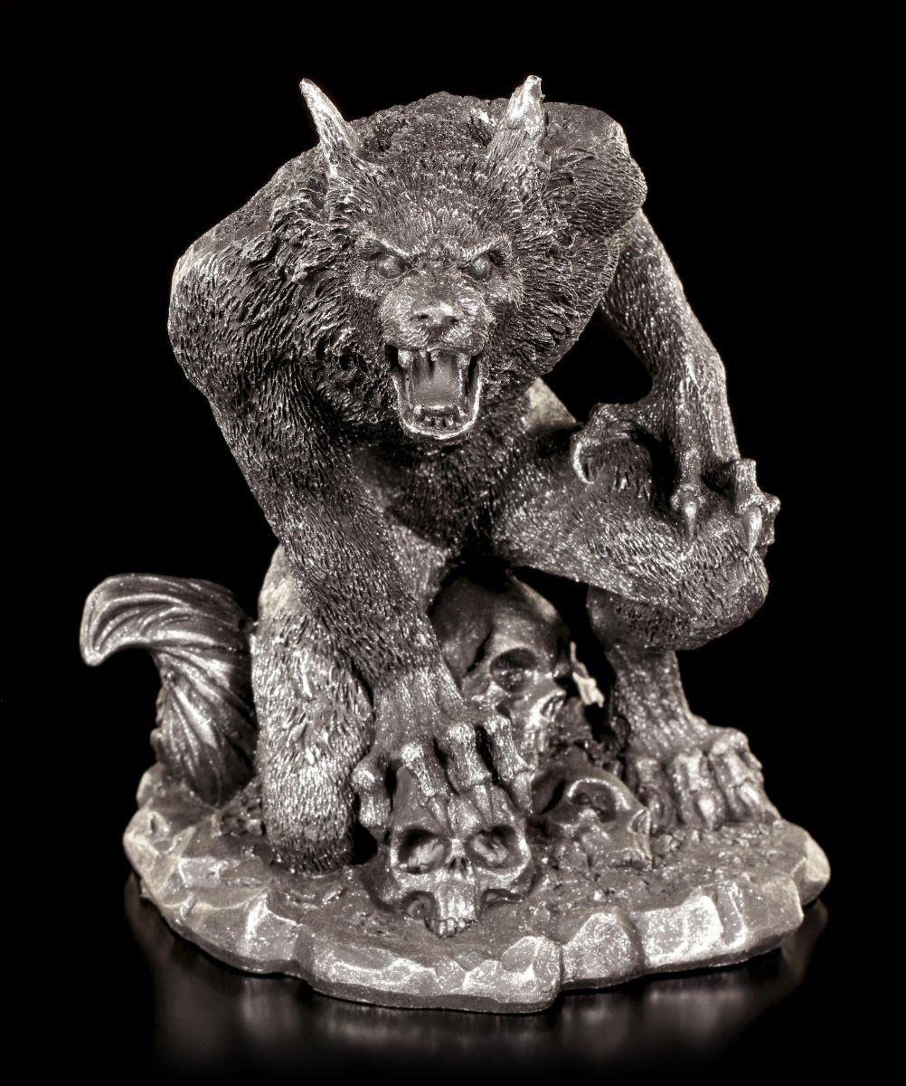 Howling Werewolf Figure with Skulls - Gothic Statue Fantasy Wolf Mensch