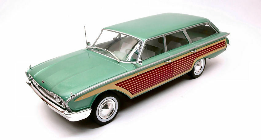 Ford Country Squire Mettuttiic verde  Wood 1 18 modello modelloautoGROUP