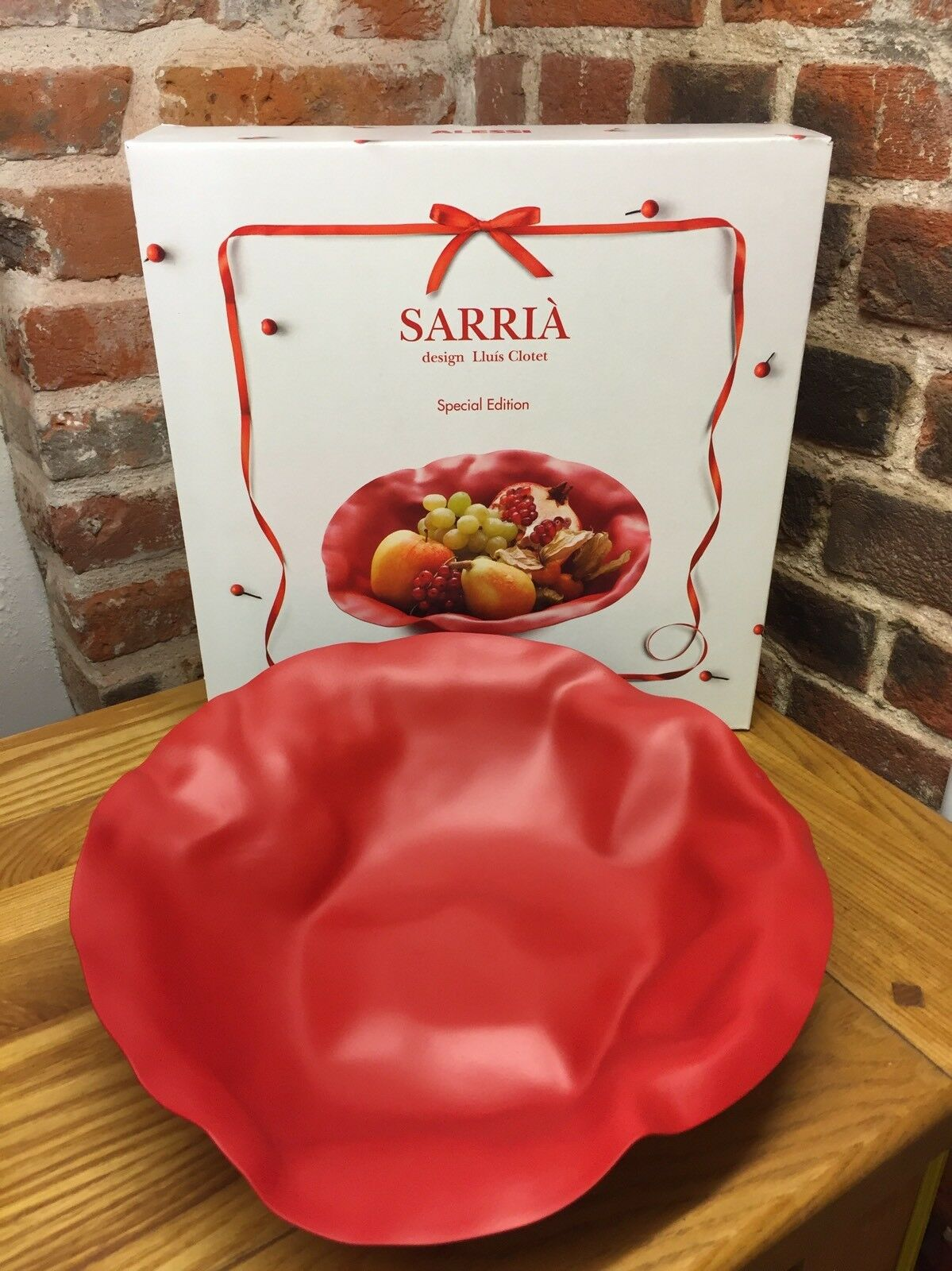 Alessi 90084 R Sarrià Fruit Bowl In Red Special Edition, Lluís Closet