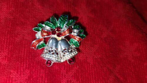 Avon Reindeer Tac Pin Vintage Christmas Jewelry Vintage Holiday Brooch Set Unsigned  Wreath Brooch