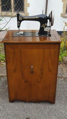 Singer Sewing Machine Circa 1900
