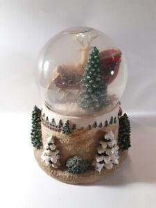 Disney-KCARE-Classic-Sled-W-Reindeer-Presents-Vintage-Musical-Snow-Globe-EUC