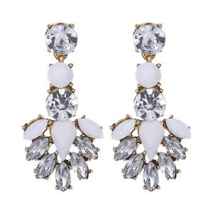 1Pair-Elegant-White-Feather-Shape-Crystal-Resin-Ear-Stud-Eardrop-Dangle-Earring